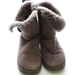 bba56949ff5 UGG Ankle Boots & Booties for Women | Poshmark